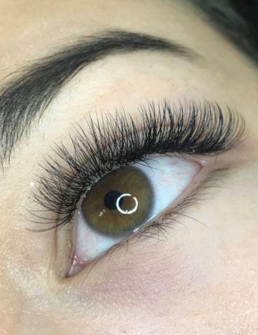 Volume-Eyelash-Extensions-11_compressed