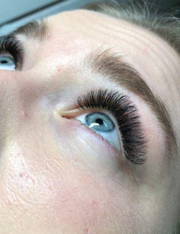 Volume-Eyelash-Extensions-31_compressed
