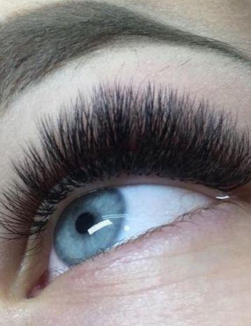 Volume-Eyelash-Extensions-51_compressed