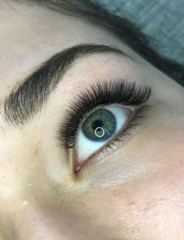 Volume-Eyelash-Extensions-8_compressed